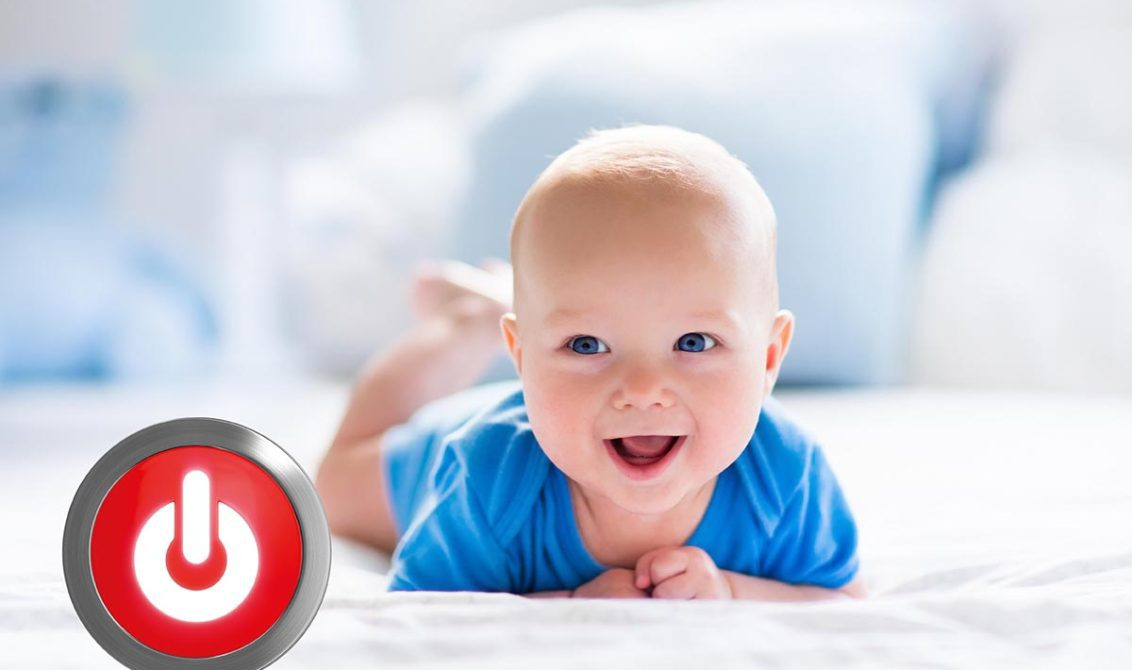 Baby-mit-ON-Button_web-1132x670